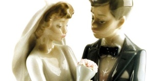 College grads more likely to say 'I Do' at youngerage